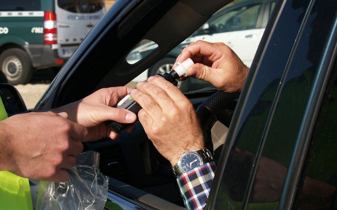 ¿Cuáles son las sanciones por conducir bajo los efectos del alcohol?